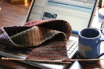 laptop-knitting.jpg